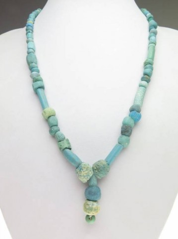 B - ARCHEOLOGIA - COLLANE (CO) - COLLANA ROMANA CON PERLE DI VETRO BLU E FAIENCE (23)